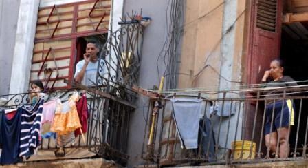 Trabajadores cubanos.  Photo: Caridad