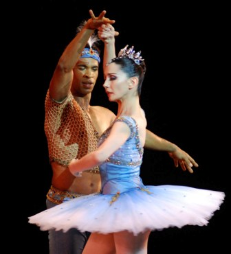 """Le Corsaire by Marius Petisa performed by the Royal Ballet in Havana.  Photo: Caridad"
