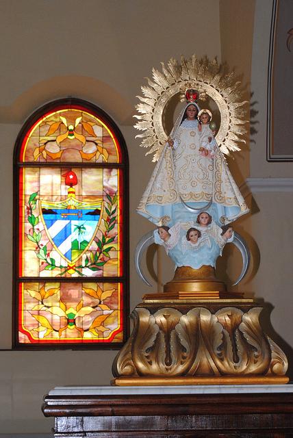 La virgen de la Caridad en la iglesia principal de Bayamo, Cuba