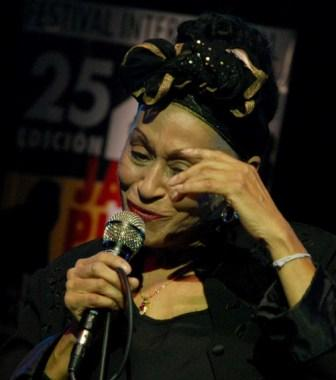 Omara Portuondo, photo by Caridad