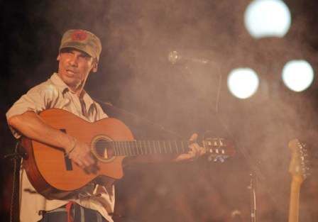 "Manu Chao in concert dedicated to ""Che"" in Havana on Oct. 9, 2009"