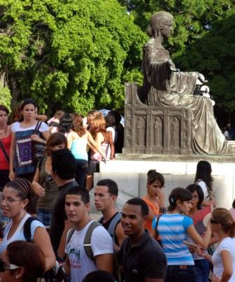 Estudiantes universitarios.  Foto: Caridad
