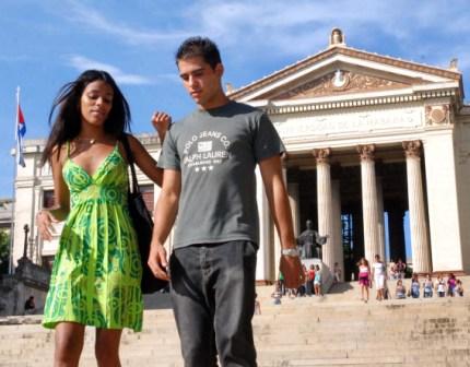 Estudiantes en la Universidad de La Habana.  Foto: Caridad