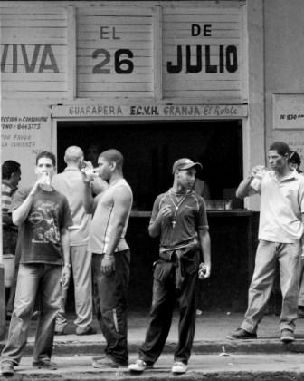 Drinking fresh sugarcane juice in Havana.  Photo: Caridad