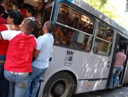 Packed buses are fertile ground for pickpockets.  Photo: Caridad