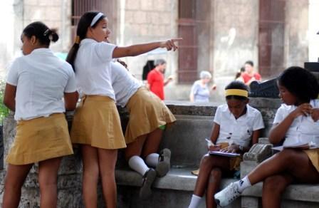 Estudiantes de secundaría.  Foto: Caridad