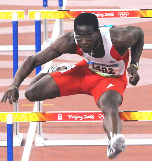 dayron-robles-wins-gold-medal-in-beijing.jpg