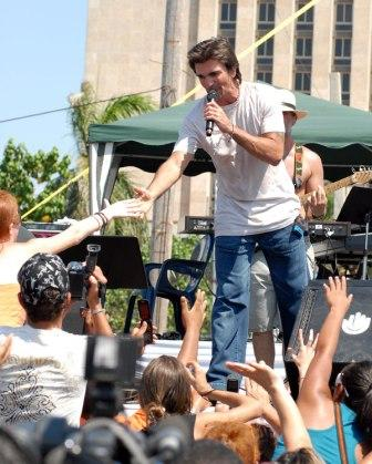 Juanes at the Peace Without Borders concert in Havana
