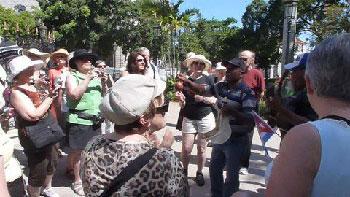 Bradley Associates: Straat ruzie in Cuba