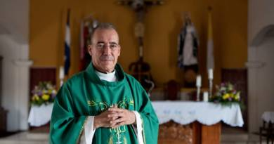 "Father Edwin Roman: ""All Citizens Are Persecuted"""